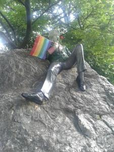 Oscar Wilde with gay flag