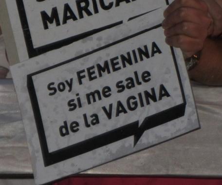 Soy femenina si me sale de la vagina